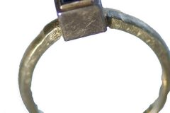 ring with saphire